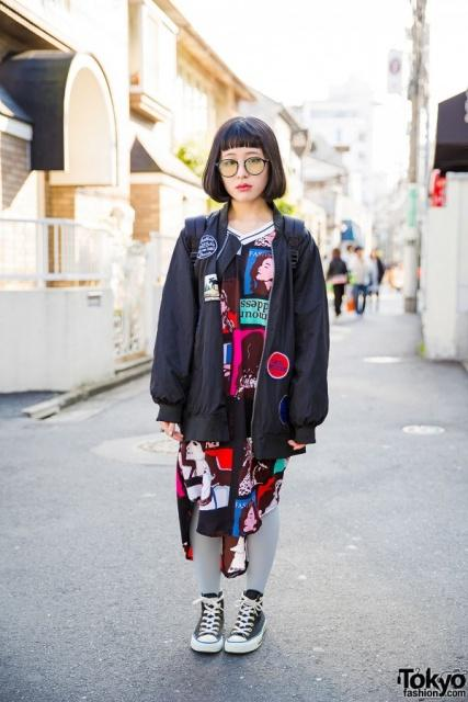 Via http://tokyofashion.com/harajuku-girl-glasses-oversized-bomber-jacket/