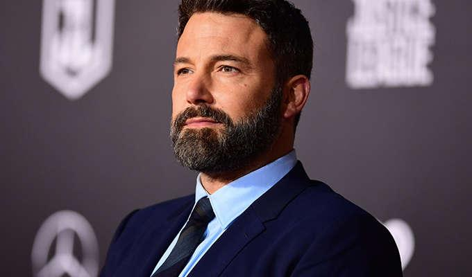 Via http://static3.businessinsider.com/image/5a0f07757101ad0d554aaccb-1626/ben%20affleck%20justice%20league%20premiere%20getty.jpg
