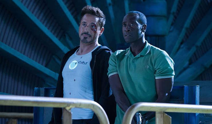 Via http://cinemagogue.comhttps://cdn.kincir.com/1/old/2013/05/Don-Cheadle-and-Robert-Downey-Jr.-in-Iron-Man-3-2013-Movie-Image1-600x317.jpg