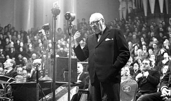 Via http://www.churchillarchiveforschools.com/themes/the-themes/churchill-discussion-debate-and-historical-controversy/was-churchill-a-great-orator/01/container-area/0/container-area/0/imageBinary/GettyImages-79039217_smaller.jpg