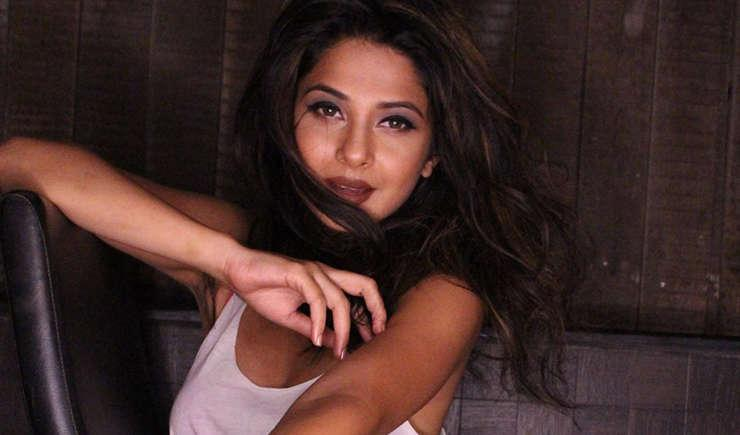 Via https://bestofcomicbooks.comhttps://cdn.kincir.com/1/old/2018/09/jennifer-winget-sexy-feet.jpg