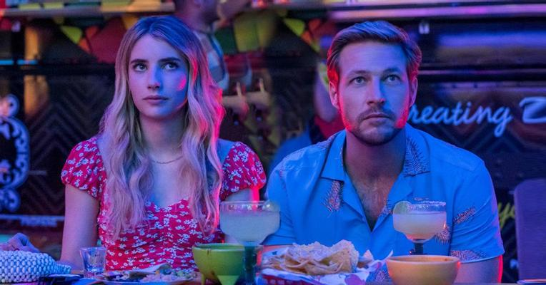 (REVIEW) Holidate (2020)