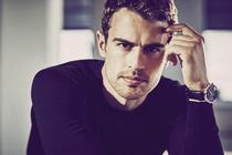 Theo James: Sang Agen 007 Baru
