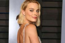 First Look Margot Robbie dalam Once Upon a Time in Hollywood