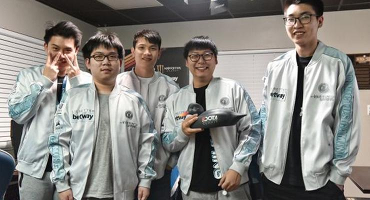 Juara Singapore Major Invictus Gaming.